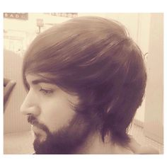 Corte irregular peinado hacia delante.  #style #hair #pelo #coolhair #looks #instahair #hairstyle #instadaily #instagood #peluquerias #cabello #peluqueriabarcelona #hairoftheday #hairfashion #hairofinstagram  #estilista #fashion #haircut #peluqueria #pelu
