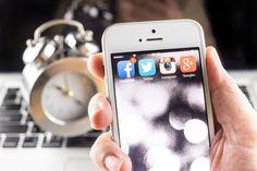 Na Facebooku i Twitterze jest każdy, przez co specjaliści od mediów społecznościowych chcą dotrzeć ze swoim przekazem do jak największej ilości osób, a ponadto wzbudzić w nich chęć zalajkowania postu. O których godzinach warto to zrobić?