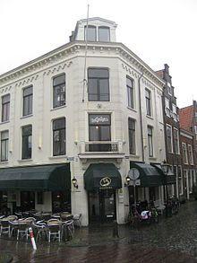 Rapenburg Leiden. Op de eerste etage, de kamer waar De soldaat van Oranje woonde tijdens de 2de wereld oorlog.