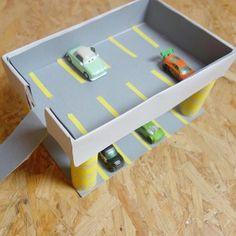 Le parking pour ses voitures diy parking pour ses petites voitures à partir d'une boîte à chaussures wink emoticon