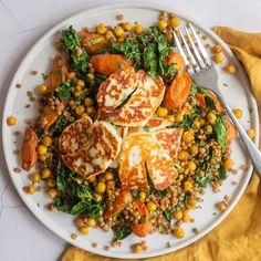 Crispy halloumi is served with roasted carrots, chickpeas, kale and couscous to make a healthy vegetarian meal you will love. Vegetarian Recipes Dinner, Veggie Recipes, Cooking Recipes, Healthy Recipes, Milk Recipes, Healthy Vegetarian Recipes, Hallumi Recipes, Online Recipes, Party Recipes