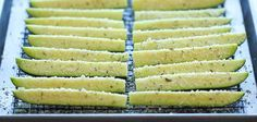Baked Parmesan Zucchini Recipe Crisp, tender zucchini sticks oven-roasted to absolute perfection. It's healthy, nutritious and completely addictive! Zucchini and parmesan cheese. Zucchini Sticks, Zucchini Crisps, New Recipes, Low Carb Recipes, Cooking Recipes, Favorite Recipes, Healthy Recipes, Vegetable Recipes, Vegetarian Recipes