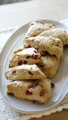 Blueberry Scones Recipe, Fruit Scones, Strawberry Scones, Brunch Recipes, Breakfast Recipes, Dessert Recipes, Lemon Poppy Seed Scones, Pumpkin Scones, Breakfast Bake