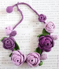 crochet necklace (violet) | Roses made of thick yarn, 100% c… | Flickr