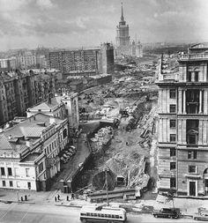 В Москве прорубают проспект Калинина, ныне Новый Арбат, 1963 год.