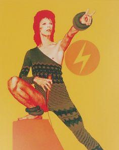David Bowie Pictures, David Bowie Art, Ziggy Stardust, My Rock, Glam Rock, Light Art, Rock N Roll, Light In The Dark, Duke