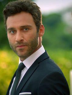 Turkish Men, Turkish Actors, Actors Male, Actors & Actresses, Fashion Suits, Beautiful Men, Sexy Men, Drama, Wattpad