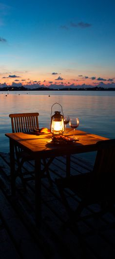 Perfect setting for a romantic dinner.  Pin provided by Elbow Beach Cycles http://www.elbowbeachcycles.com