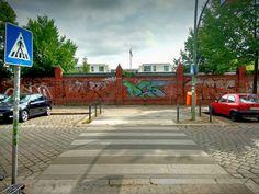 https://flic.kr/p/w4Nrxq   Zebrastreifen; Berlin, Hausburgstraße