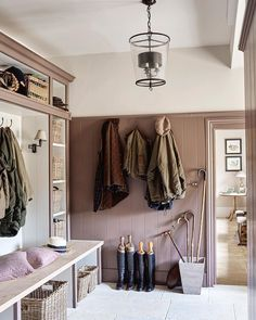 Lovely classic boot room in a Century Family Manor. Design by Sims Hilditch. Home Interior, Interior Design Living Room, Interior Architecture, Country Interior, Interior Ideas, Boot Room Utility, Hallway Storage, Boot Room Storage, Cloakroom Storage
