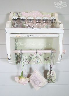 simply lovely and fem for my craft room <3