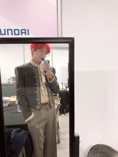 A boy named Taehyung, who seemingly can't leave little space, becomes severely bullied by the other boys in the orphanage. Until a rich boy named Jungkook orde. Taehyung Selca, Taehyung Red Hair, Kim Namjoon, Jung Hoseok, Daegu, K Pop, Bts 2018, Jin, Bts Boys