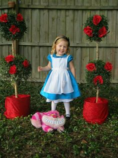 Super Birthday Party Games For Girls Alice In Wonderland Ideas Alice In Wonderland Tea Party Birthday, Alice Tea Party, Alice In Wonderland Theme, Mad Hatter Party, Mad Hatter Tea, Mad Hatters, Birthday Party Games, Birthday Ideas, Party Themes