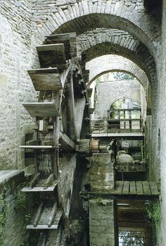 Using a water wheel to rotate through design samples in a library would be an easy way to make the library interactive.