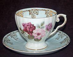 BEAUTIFUL ROYAL GRAFTON ENGLAND FINE BONE CHINA FOOTED TEA CUP & SAUCER