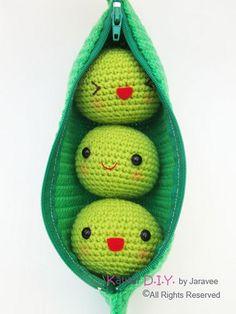 Crochet peas in a pod with zipper