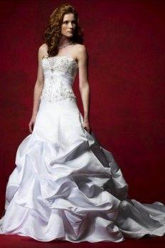 High Quality Taffeta Fabric Strapless Neckline Wedding Dress