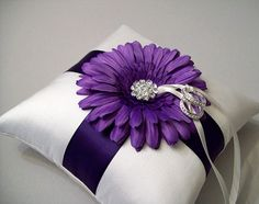 this is a cute pillow and the flower and ribbon would change depending on color scheme