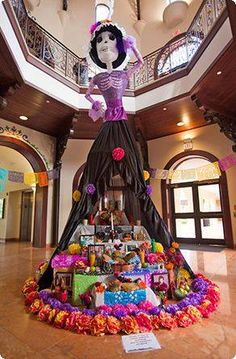 day of the dead / día de muertos altar Mexican Holiday, Mexican Party, Halloween Decorations, Halloween Party, Mexican Decorations, Halloween Fashion, Birthday Decorations, Halloween Ideas, Day Of The Dead Party