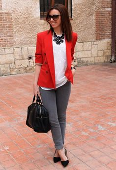 Amazing Outfit Combination For Red Blazer With Jeans 20 Casual Work Outfits, Business Casual Outfits, Work Casual, Fall Outfits, Work Attire, Business Professional Outfits, Business Chic, Red Blazer Outfit, Look Blazer