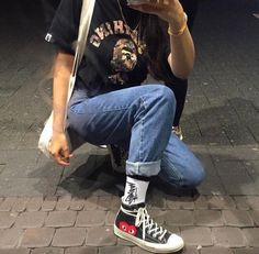 Socken und Turnschuhe look wasted youth fashion Coole Mode editorial outfit str Mode Outfits, Retro Outfits, Grunge Outfits, Girl Outfits, Casual Outfits, Fashion Mode, Look Fashion, Korean Fashion, Fashion Stores