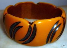 Vintage 1930s Bakelite Art Deco Carved Overdyed Bangle