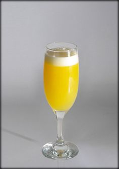 Mimosa Cocktail Drinks, Alcoholic Drinks, Beverages, Cocktails, White Wine, Yum Yum, Wine Glass, Cool Stuff, Hot