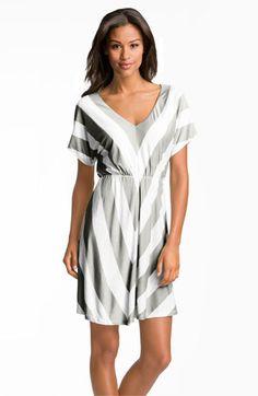 FELICITY & COCO V-Neck Chevron Stripe Jersey Dress