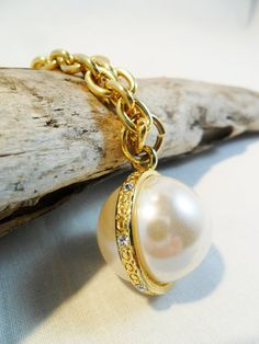 Vintage Faux Pearl Pendant Necklace Gold Plated Tone by KathiJanes