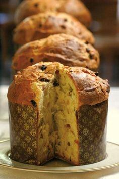 Pan dulce panettone (Muy Facil y Rico) Authentic Mexican Recipes, Mexican Food Recipes, Sweet Recipes, Real Food Recipes, Simple Sweet Bread Recipe, Panettone Bread, Italian Panettone, Christmas Bread, Italian Christmas