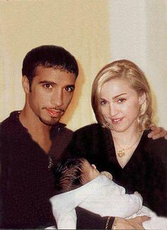 Madonna and Carlos Leon Madonna 80s Outfit, Madonna Family, Divas, Madonna Photos, Lucky Star, Tumblr, Popular Music, Material Girls, Celebs