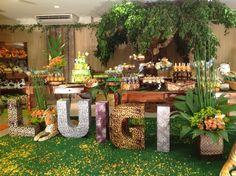 Começando o ano com uma festa linda e colorida que aconteceu no Salão Laranja do Buffet Plus e foi decorada lindamente pela Era Uma Vez deco...