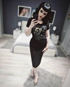 Rockabilly Fashion, Retro Fashion, Rockabilly Dresses, Rockabilly Girls, Rockabilly Style, Pin Up Outfits, Girl Outfits, Psychobilly Girl, Vintage Goth