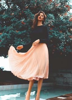 FashionDRA : The Midi Skirt