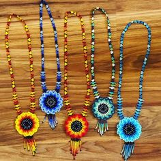 Handmade with beads beautiful Necklace Huchol art Bead Jewellery, Jewelry Party, Jewelry Crafts, Diy Necklace, Tassel Necklace, Beaded Earrings, Beaded Bracelets, Teracotta Jewellery, Lone Star Quilt