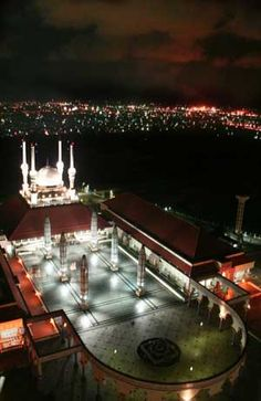 Masjid Agung Semarang. http://koran-jakarta.com/index.php/detail/view01/97844