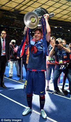 Cristiano Ronaldo and Lionel Messi lead Ballon d'Or long list. Lionel Messi, Cr7 Vs Messi, Barcelona Team, Ballon D'or, Good Soccer Players, Football Is Life, Soccer Stars, Cristiano Ronaldo, Idaho