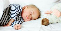 Quand bébé refuse de dormir, c'est toute la maisonnée qui en souffre. Voici quelques conseils pour entraîner bébé au pays des doux rêves!