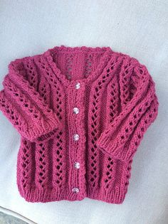 0ede80818c9 A blog full of FREE crochet /knitting /sewing pattern links ..any craft  work researched and posted . kate xatzi · ζακετακια κοριτσακια