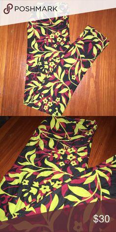 Lularoe Leggings OS Floral lularoe leggings OS NWT LuLaRoe Pants Leggings