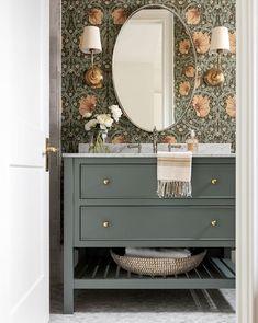 Estudio Mcgee, Estilo Tropical, Green Paint Colors, Blue Green Paints, Favorite Paint Colors, Downstairs Bathroom, Wall Paper Bathroom, Master Bathroom, Küchen Design