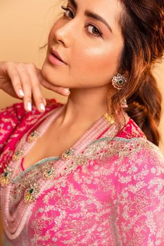 Tollywood Actress Raashi Khanna Photoshoot In Green Saree - Rashi Khanna Bollywood Wallpaper BOLLYWOOD WALLPAPER : PHOTO / CONTENTS  FROM  IN.PINTEREST.COM #WALLPAPER #EDUCRATSWEB