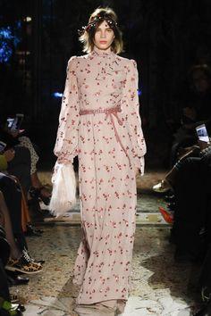 Luisa Beccaria коллекция | Коллекции осень-зима 2017/2018 | Милан | VOGUE