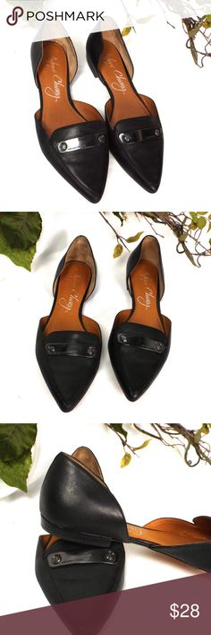 Arturio Chiang Pointy Toe Black Leather Flats GUC  Some visible wear on soles.  Classic and timeless.   Medium Width Arturio Chiang Shoes Flats & Loafers