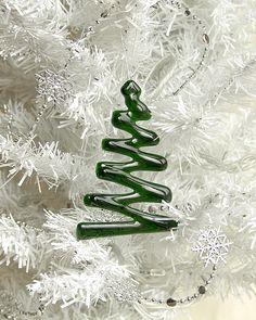 really simple Christmas tree ornament.