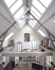 What is more enchanting than an artist's studio? When these painters, sculptors and creators make a space their home, it changes the environment forever. The li