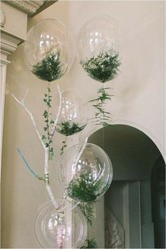 Trend Alert: 20 Balloon Decor Ideas One of the biggest trends we've seen this year is incorporating balloons into your wedding design.Whether they're the ceremony backdrop, a new take on centerpieces, take a look at some of the coolest balloon decor ideas Fern Wedding, Wedding Flowers, Dream Wedding, Wedding Day, Diy Wedding, Trendy Wedding, Garden Wedding, Wedding Shoes, Party Wedding