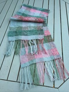 Craft House Magic: Hand woven scarf (rigid heddle loom)
