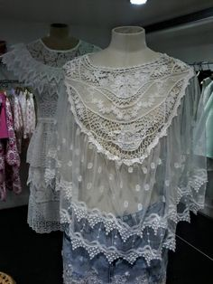 top dentelle Crochet, Women's Fashion, Lace, Tops, Fashion Ideas, Trendy Outfits, Broderie Anglaise, Fall Winter, Womens Fashion
