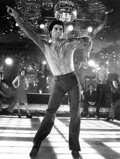Saturday Night Fever, Fran Drescher (Background Left), John Travolta, 1977 Movies Photo - 46 x 61 cm Saturday Night Fever, Fran Drescher, Pulp Fiction, 70s Music, Lets Dance, Shows, Grace Kelly, My Favorite Music, Back In The Day
